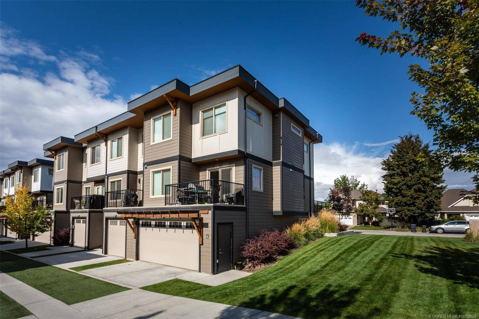 Townhouse for sale at 3626 Mission Springs Dr Unit 8 Kelowna British Columbia - MLS: 10192628