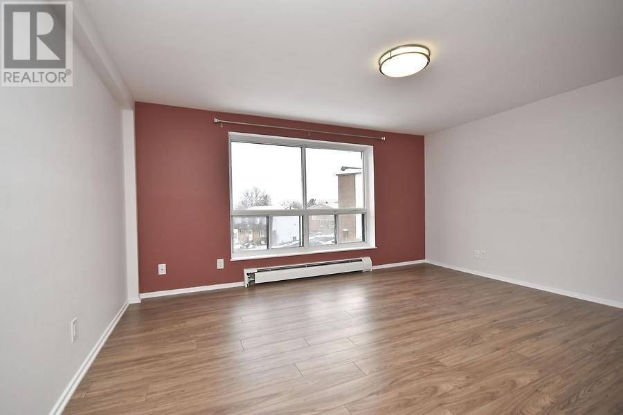 Apartment for rent at 51 Sumac St Unit 8 Ottawa Ontario - MLS: 1175467