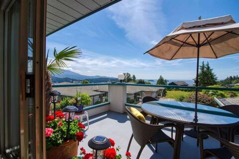 Townhouse for sale at 554 Eaglecrest Dr Unit 8 Gibsons British Columbia - MLS: R2474537