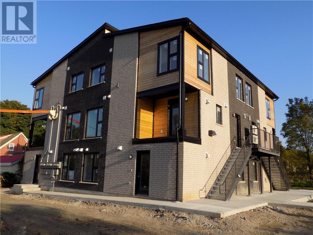 Buliding: 6 Southdale Avenue, Kitchener, ON