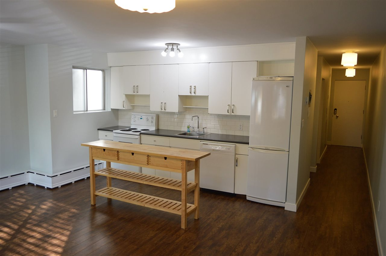 8 9813 104 Street Edmonton For Sale 154 900