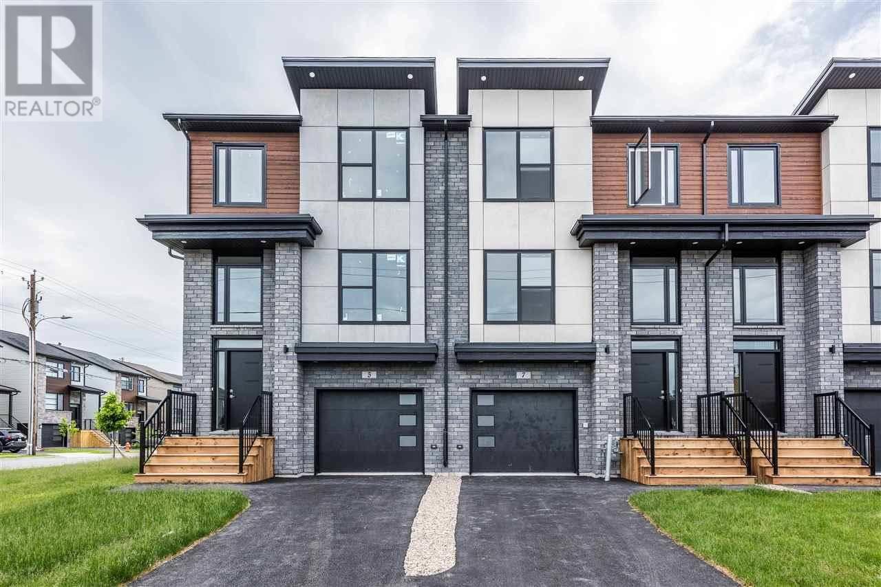 Townhouse for sale at 8 Alamir Ct Halifax Nova Scotia - MLS: 201918601