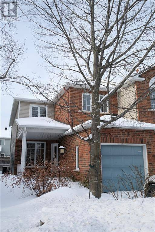 Townhouse for rent at 8 Bellrock Dr Ottawa Ontario - MLS: 1179988