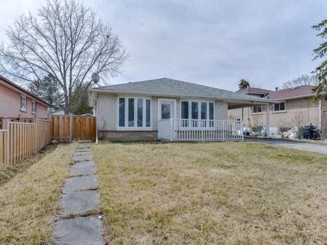 Sold: 8 Burtonwood Crescent, Toronto, ON