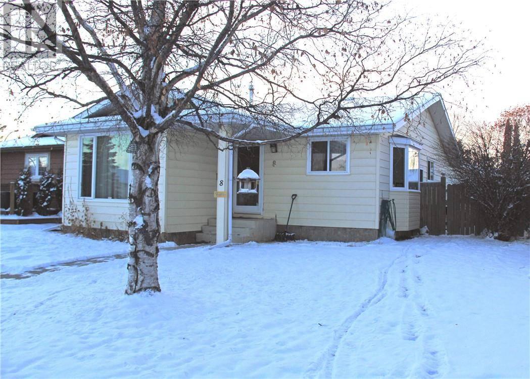 House for sale at 8 Cameron Cres Red Deer Alberta - MLS: ca0184640