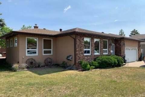 House for sale at 8 Carlton By Melville Saskatchewan - MLS: SK813274