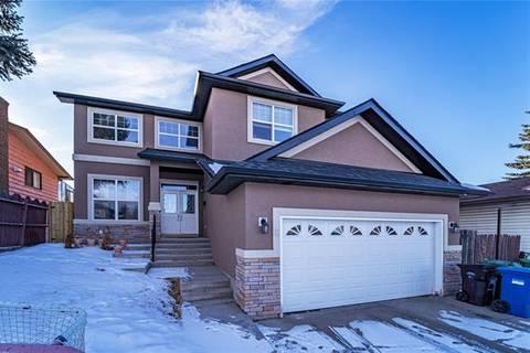 House for sale at 8 Castlebury Wy Northeast Calgary Alberta - MLS: C4290342
