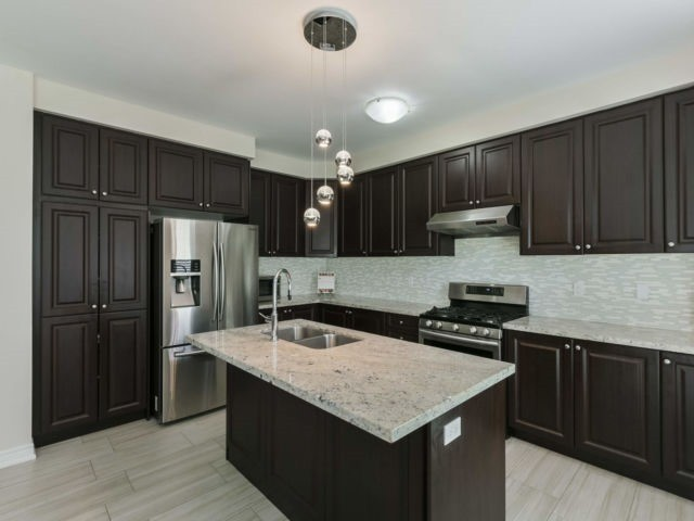 For Sale: 8 Dopp Crescent, Brampton, ON | 4 Bed, 4 Bath House for $1,129,900. See 20 photos!