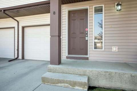 Townhouse for sale at 8 Everridge Gdns SW Calgary Alberta - MLS: A1041120