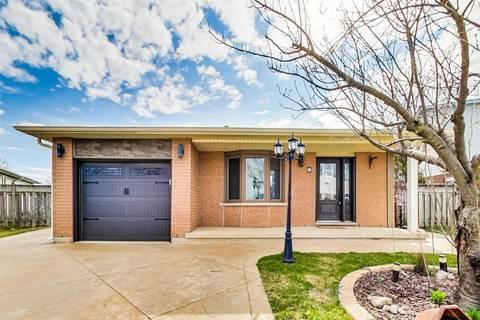 House for sale at 8 Featherwood Cres Hamilton Ontario - MLS: X4731551