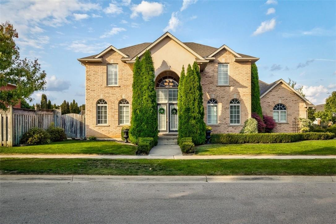 House for sale at 8 Fourseasons Dr Stoney Creek Ontario - MLS: H4091542
