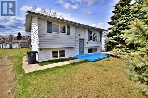 House for sale at 8 Fraser St Manor Saskatchewan - MLS: SK768969