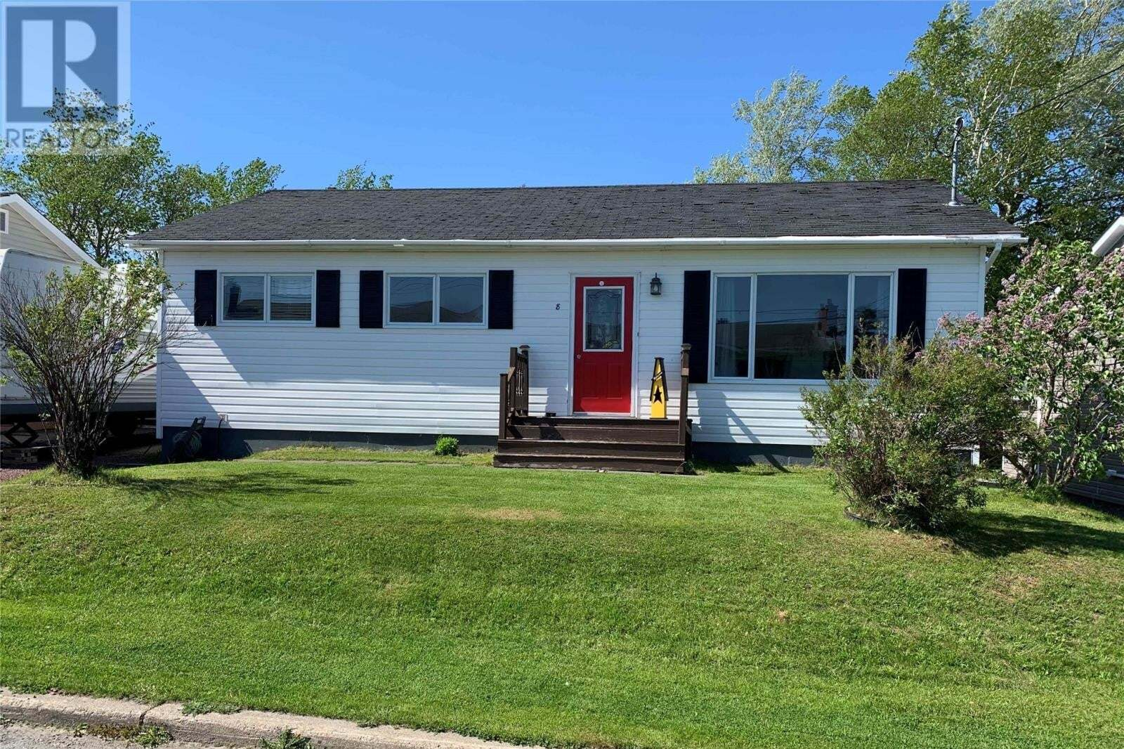 House for sale at 8 George St Lewisporte Newfoundland - MLS: 1217889
