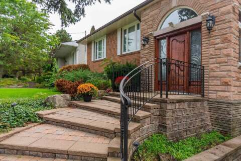 House for sale at 8 Geraldton Cres Toronto Ontario - MLS: C4777206