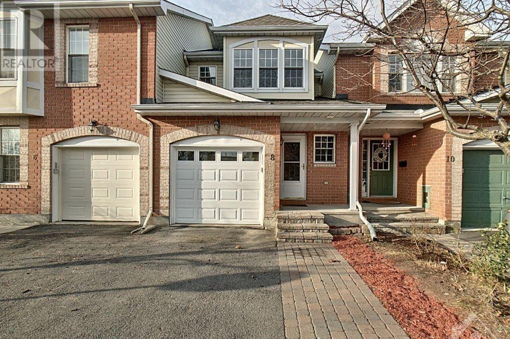 Townhouse for sale at 8 Glenhaven Pt Ottawa Ontario - MLS: 1219488