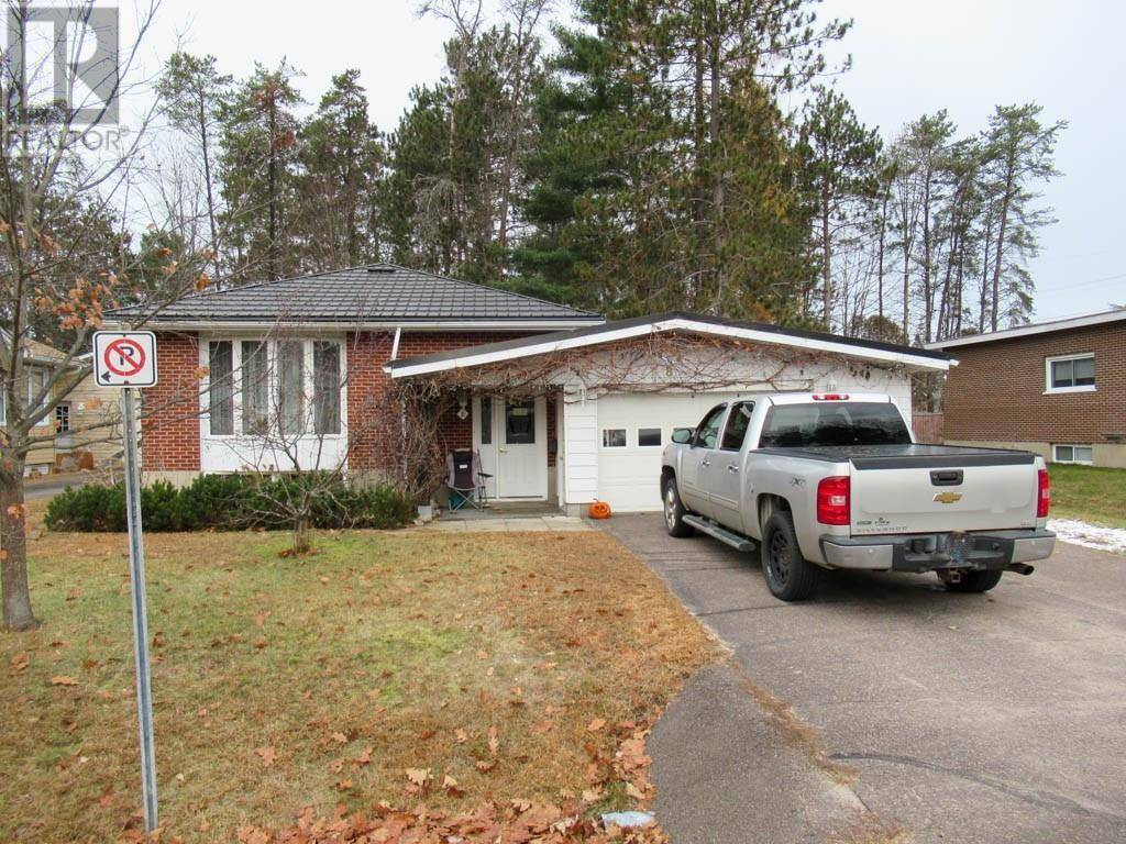 House for sale at 8 Greenwood Rd Deep River Ontario - MLS: 1175105