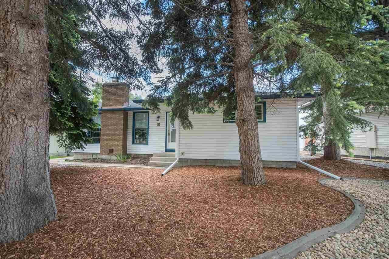 House for sale at 8 Greystone Cr Sherwood Park Alberta - MLS: E4202463