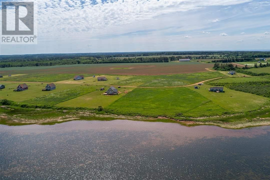 Residential property for sale at 8 Hawthorne Ln Savage Harbour Prince Edward Island - MLS: 202010677