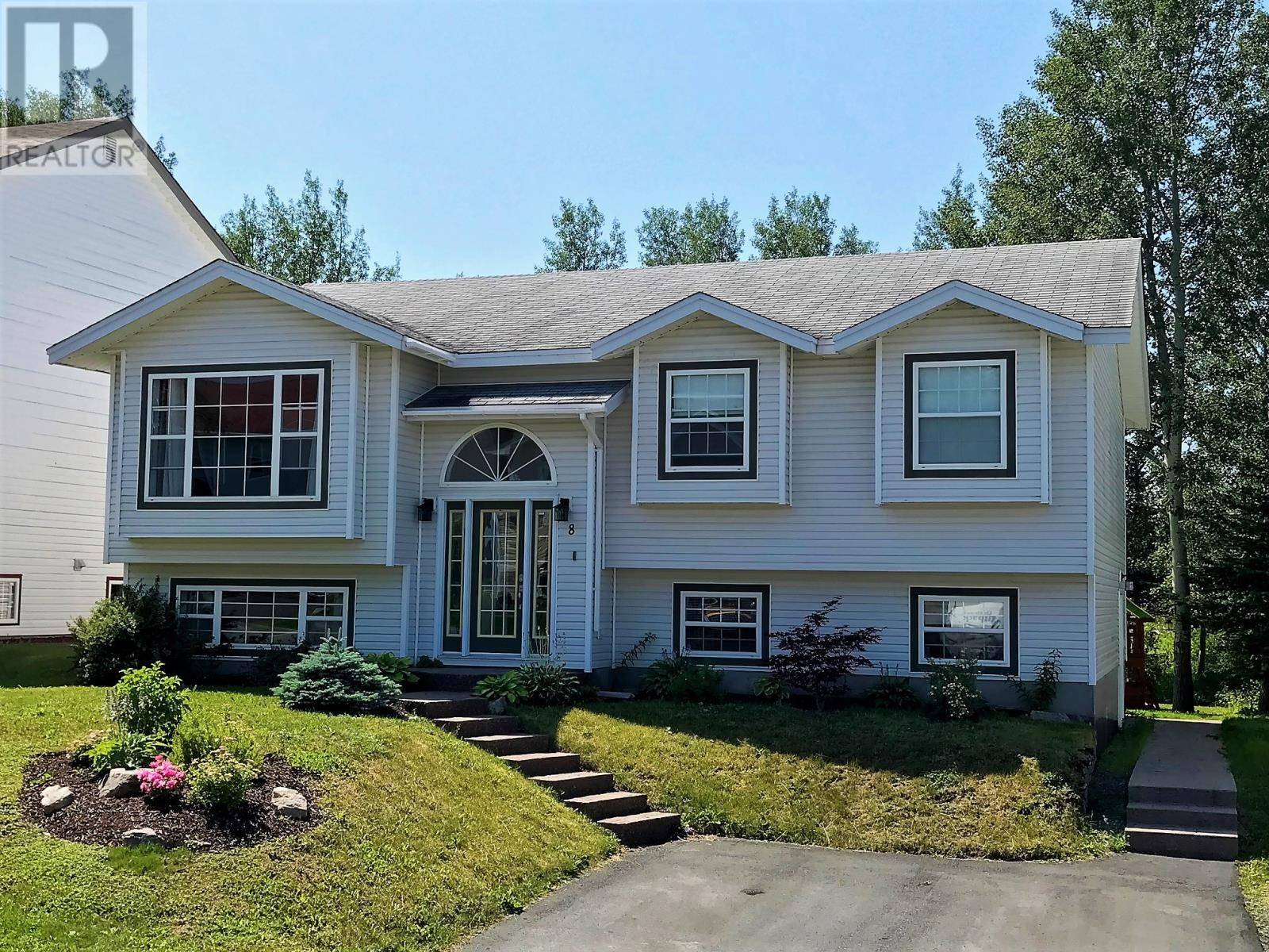 House for sale at 8 Hibernia Dr Clarenville Newfoundland - MLS: 1209714