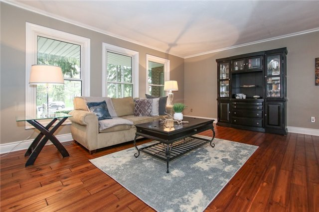 For Rent: 8 High Point Drive, Whitchurch Stouffville, ON | 4 Bed, 2 Bath House for $2,300. See 20 photos!