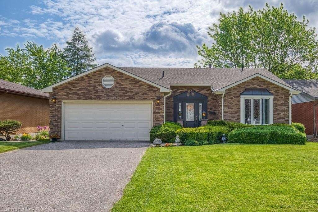 House for sale at 8 Hillside Ct St. Marys Ontario - MLS: 30810048