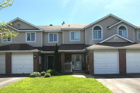 Townhouse for sale at 8 Hodgson Ct Kanata Ontario - MLS: 1157322