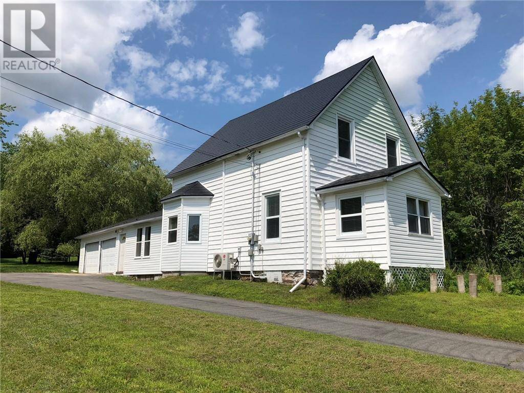 House for sale at 8 Langstroth Te Hampton New Brunswick - MLS: NB030552