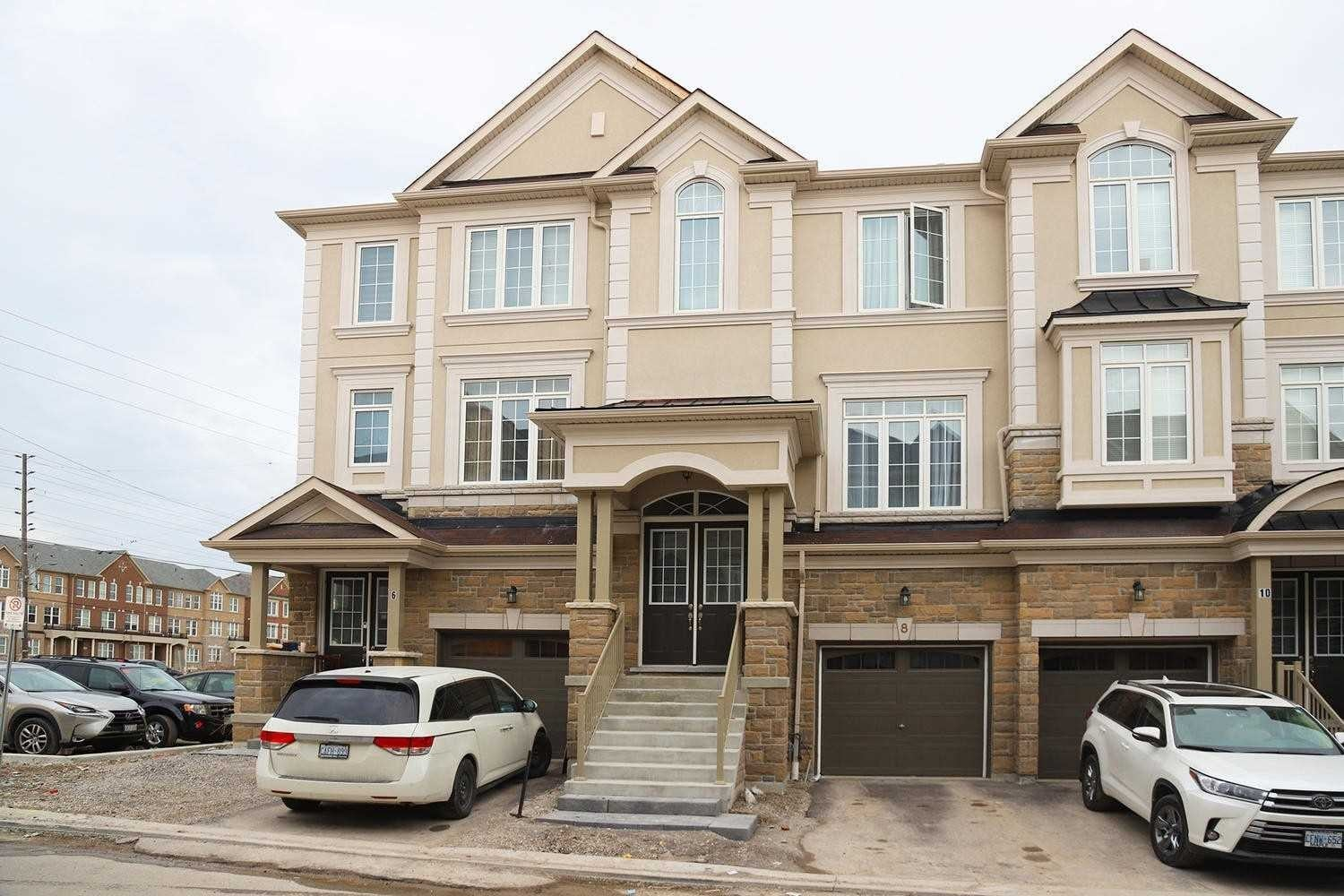 Townhouse for sale at 8 Lasalle Ln Richmond Hill Ontario - MLS: N4822315
