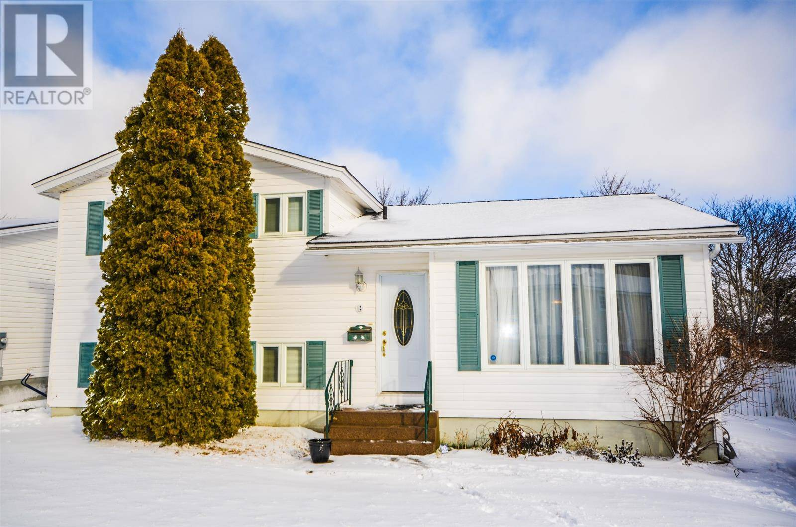 House for sale at 8 Ledrews Pl Mount Pearl Newfoundland - MLS: 1209119