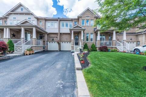 Townhouse for sale at 8 Merrickville Wy Brampton Ontario - MLS: W4804251