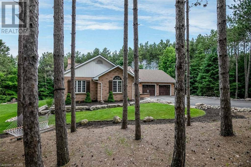 House for sale at 8 Nevis Ridge Dr Oro-medonte Ontario - MLS: 221926