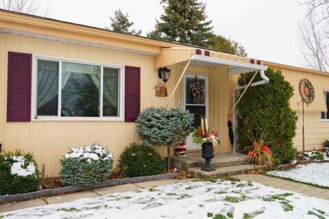 Residential property for sale at 8 Norris Arm Ln Innisfil Ontario - MLS: N5001888