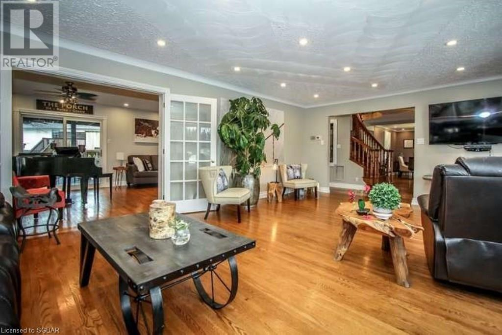 For Sale: 8 Osler Crescent, Collingwood, ON | 6 Bed, 4 Bath House for $1,195,000. See 48 photos!