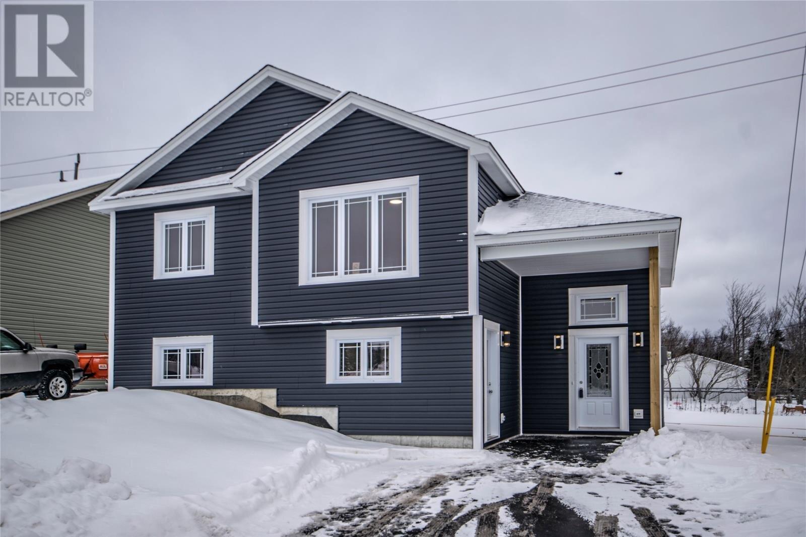 House for sale at 8 Padre Nangle Pl St. John's Newfoundland - MLS: 1214186