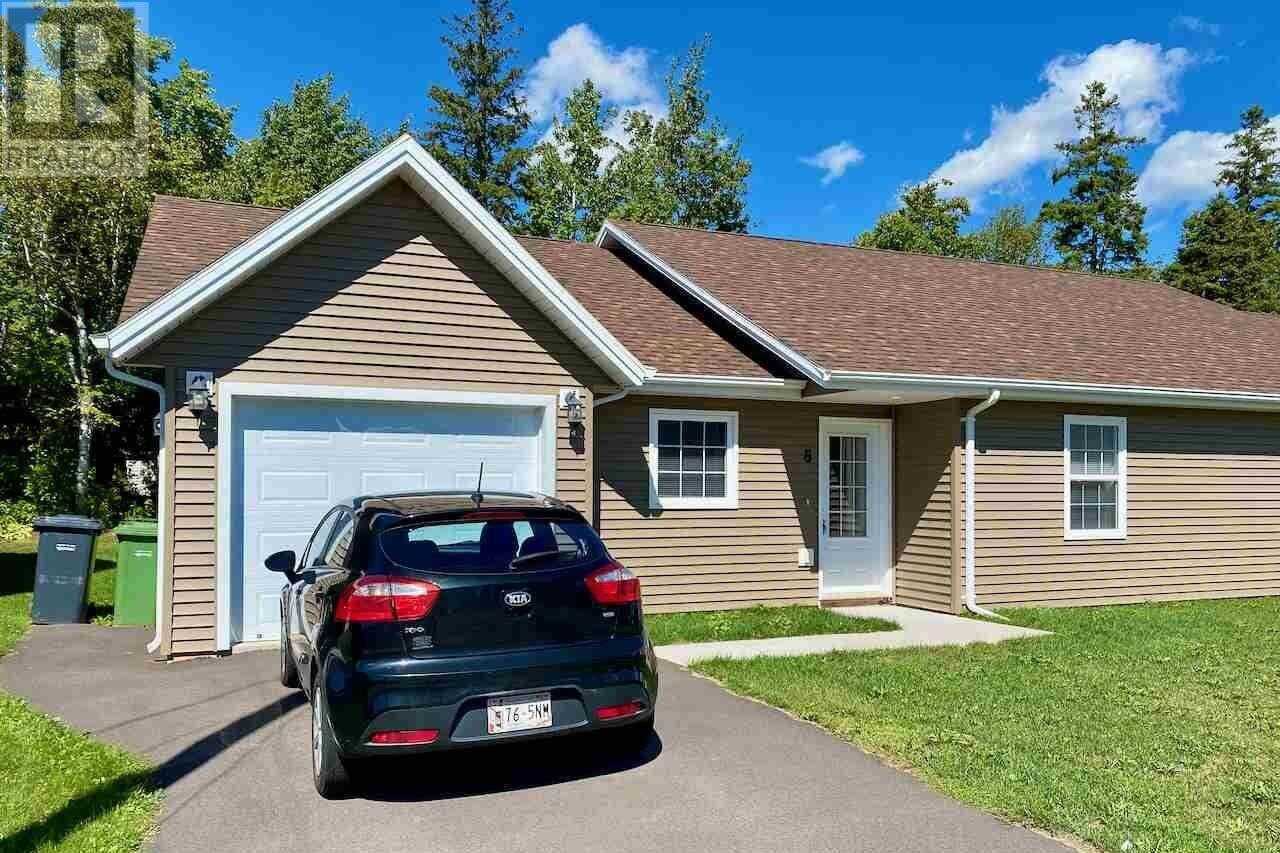 House for sale at 8 Patrie Ln Charlottetown Prince Edward Island - MLS: 202018251