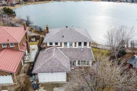 House for sale at 8 Pelican Wood Brampton Ontario - MLS: W4724673