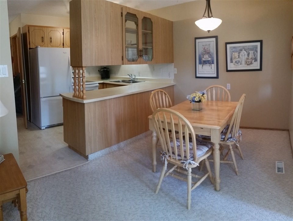 For Sale: 8 Pineview Horizon Village, St Albert, AB | 2 Bed, 1 Bath Condo for $229,900. See 19 photos!