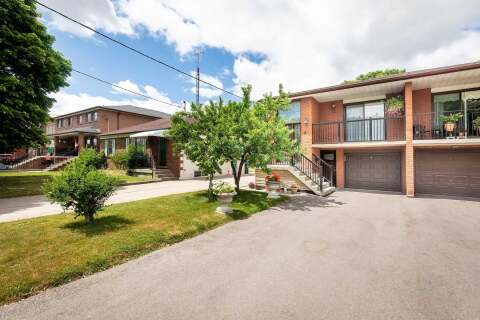Townhouse for sale at 8 Privet Rd Toronto Ontario - MLS: W4815778
