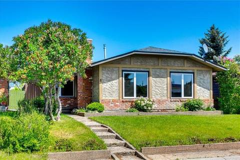 House for sale at 8 Shawmeadows Cres Southwest Calgary Alberta - MLS: C4255449
