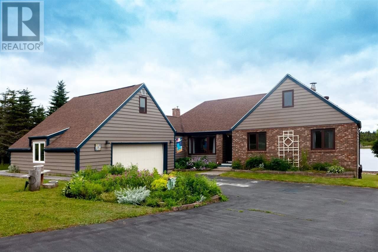 House for sale at 8 Spruce Ct Three Fathom Harbour Nova Scotia - MLS: 202012245
