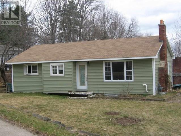 Removed: 8 Surrey Crescent, Fredericton, NB - Removed on 2019-06-01 06:51:07