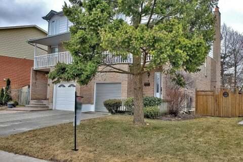 Townhouse for sale at 8 Talbot St Brampton Ontario - MLS: W4813668