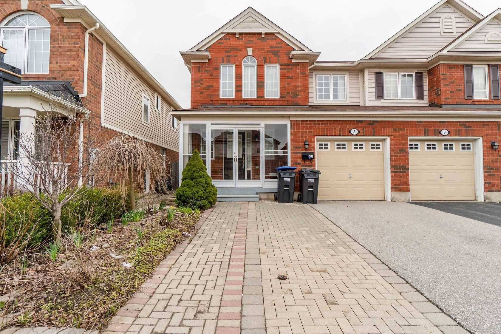 Townhouse for sale at 8 Tawnie Cres Brampton Ontario - MLS: W4398615
