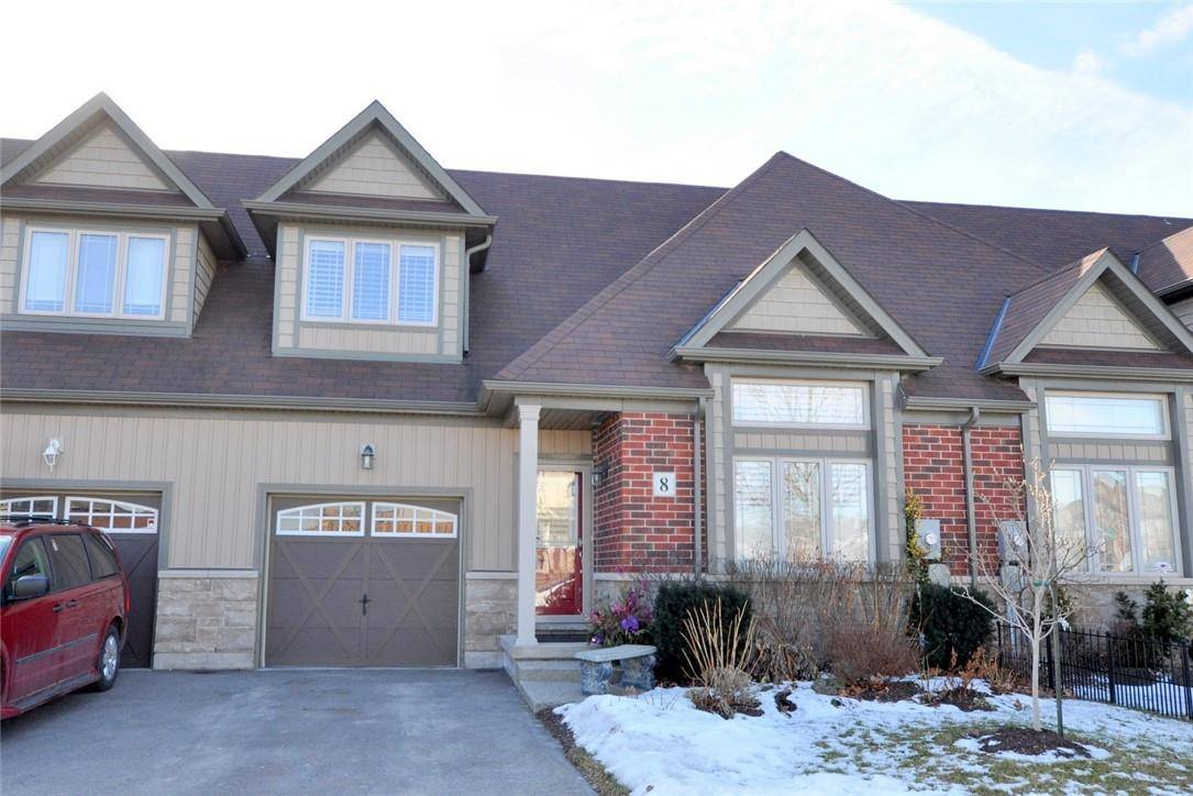 Townhouse for sale at 8 Valiant Circ Binbrook Ontario - MLS: H4071910