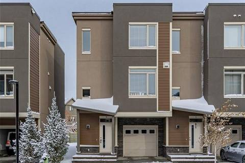 Townhouse for sale at 8 Westpark Common Southwest Calgary Alberta - MLS: C4271545