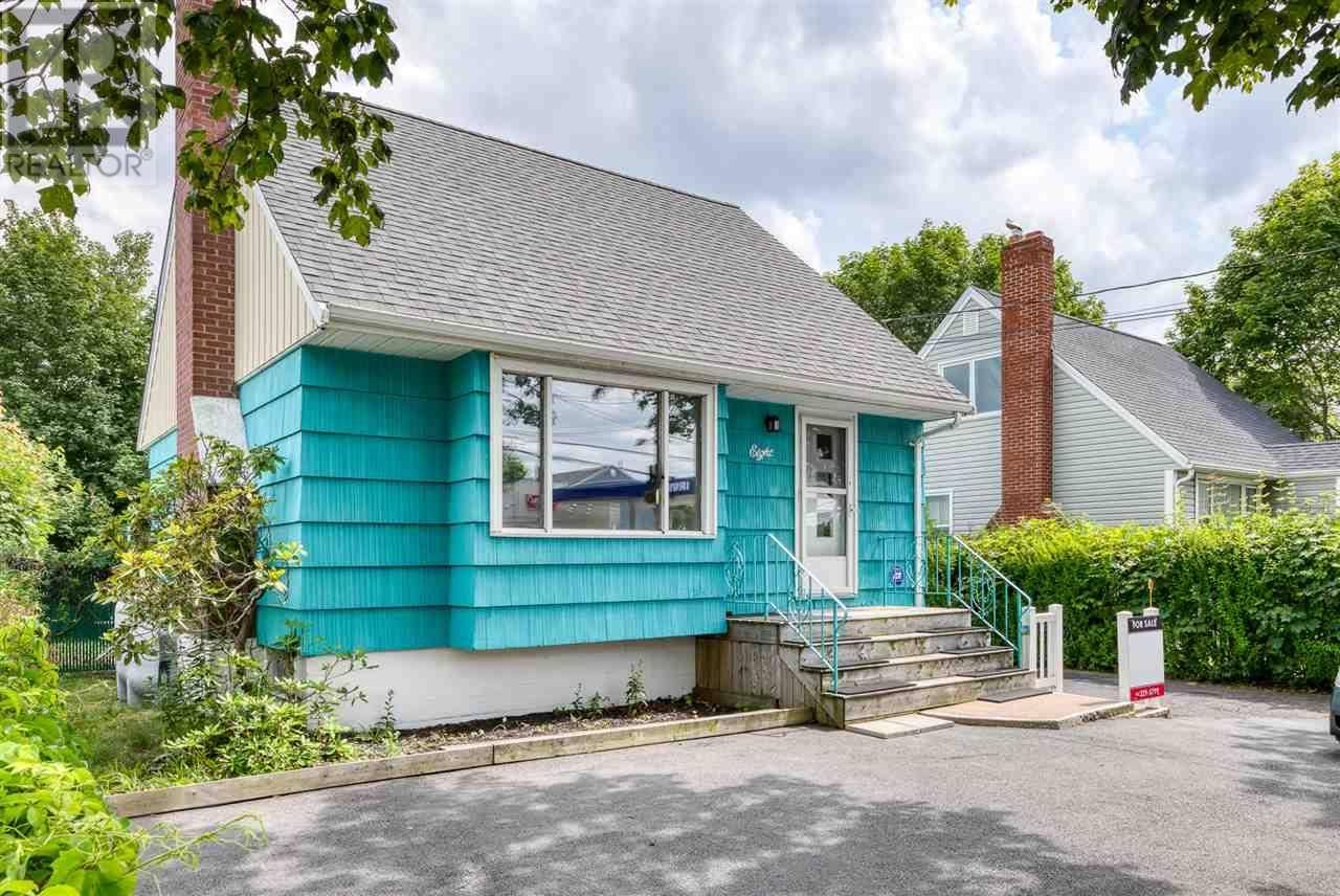 House for sale at 8 Woodland Ave Dartmouth Nova Scotia - MLS: 201918504