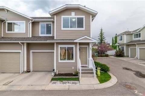 Townhouse for sale at 80 Bridleridge Manr SW Calgary Alberta - MLS: C4301247