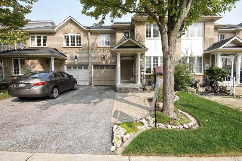 Townhouse for sale at 80 Red River Cres Newmarket Ontario - MLS: N4914848
