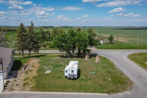 Residential property for sale at 80 Stonegate Village Raymond Alberta - MLS: A1004894