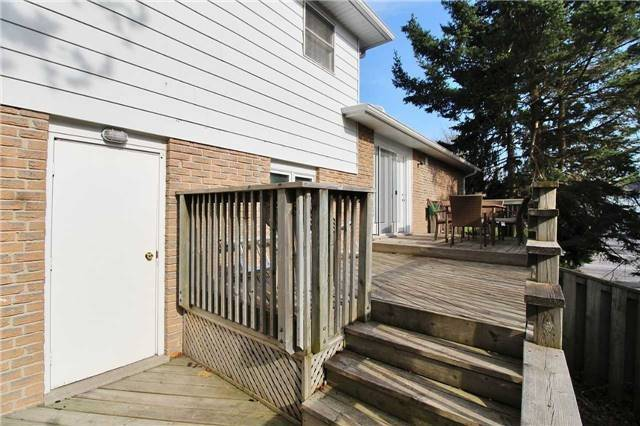 For Sale: 80 Walton Drive, Aurora, ON | 3 Bed, 3 Bath House for $829,000. See 20 photos!